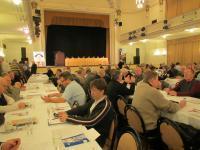 Naplněný sál účastníků