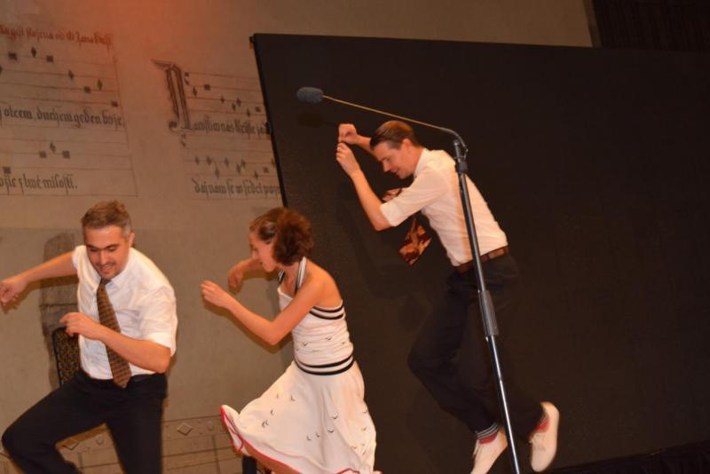 14. Swing na pódiu
